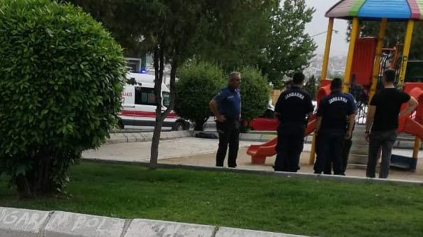 Çocuk parkında dehşet! Tesadüfen oradan geçen jandarma olayı görünce...