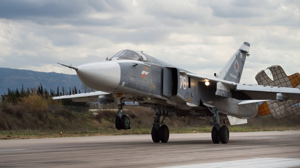 Son dakika... Suriye'deki Rus üssüne El Nusra'dan roketli saldırı