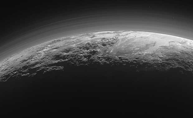 Pluto'da bir yüzey-altı okyanusu olabileceği ileri sürüldü