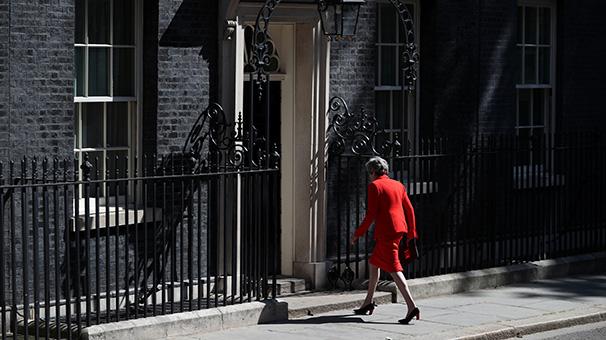 Son dakika... İngiltere Başbakanı 7 Haziran'da istifa ediyor!
