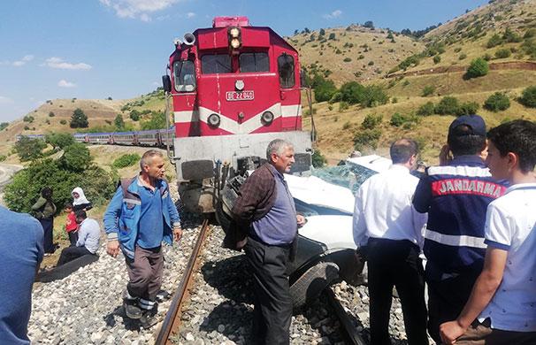 Elazığ'da hemzemin kazası: 1 ölü
