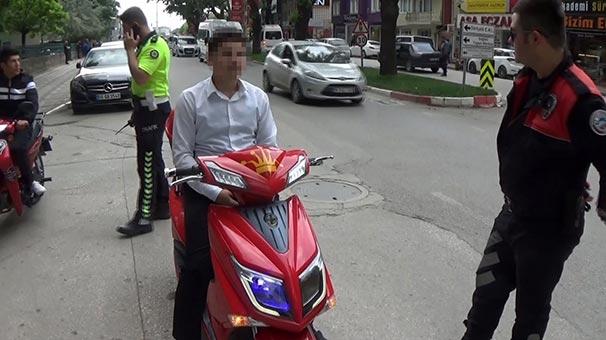 Bu da oldu...  Polis elektrikli bisikletin özelliğini gördü, hemen cezayı kesti