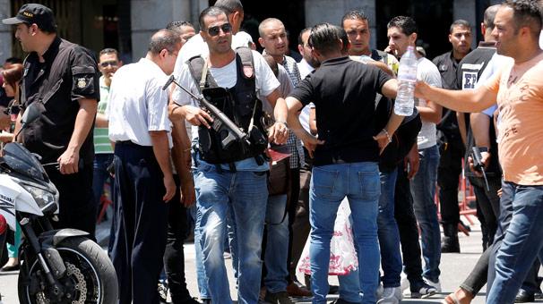 Polis aracına intihar saldırısı